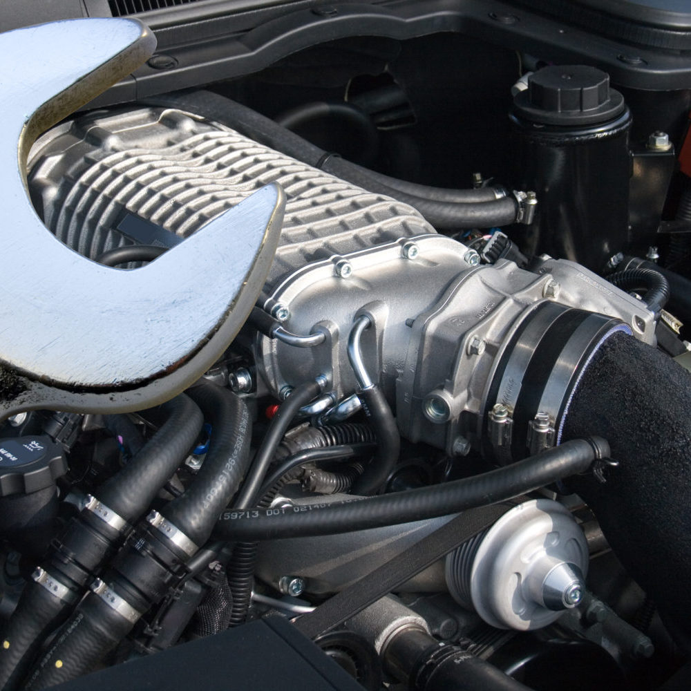 Powerful V8 supercharged car engine